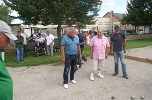 En début de concours, Jean-Michel Ferrand (ici entre Gérard Pariset et Jean-Pierre Barbero) avait le sourire...