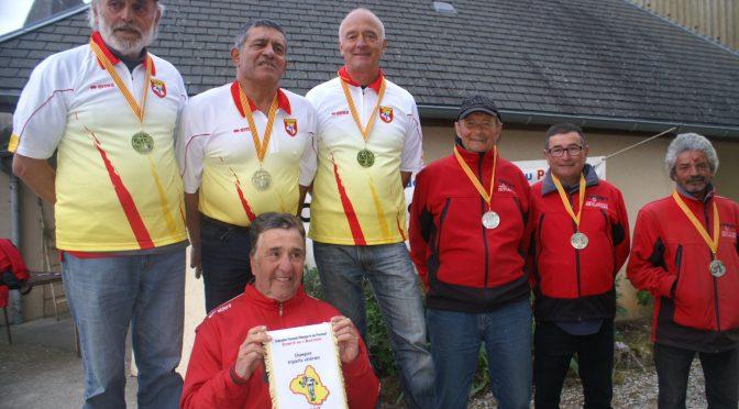Finale triplettes vétérans : Gaubert – Armand – Vargas Champions d'Aveyron